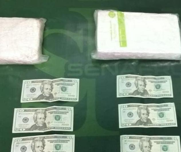 La droga fue encontrada en un maletín, que estaba oculto para no que no fuera divisado por las unidades del Senafront apostadas en el puesto de control de San Isidro.
