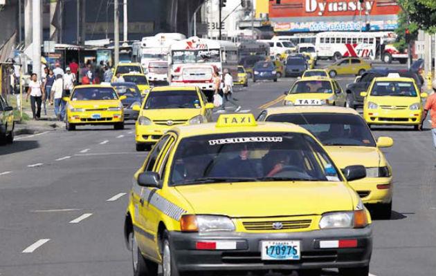 Los conductores de taxis deben cumplir con las normas de bioseguridad.