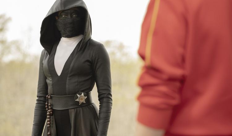 En una historia alternativa donde los vigilantes enmascarados son tratados como fuera de la ley. HBO