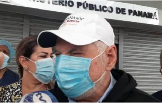 Ricardo Martinelli buscaba una comida cuando fue acosado por Mauricio Valenzuela.