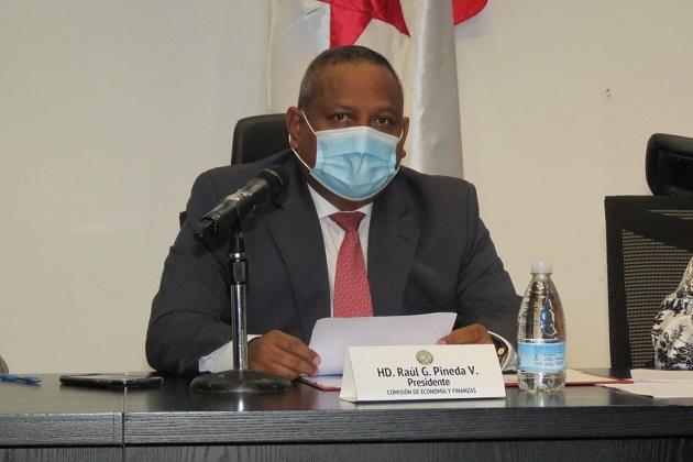 El diputado Raúl Pineda es presidente de la Comisión de Economía y Finanzas de la Asamblea Nacional.