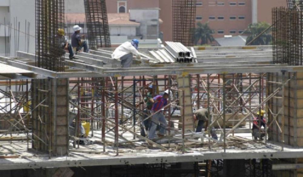 La construcción, es el tercer generador de empleos del país y hasta el mes de agosto de 2019, representaba unas 172 mil 977 plazas de trabajo. Foto/Archivo