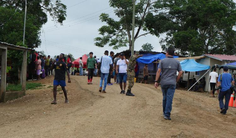 Miles de migrantes entran al territorio nacional por el sector fronterizo de la provincia de Darién.