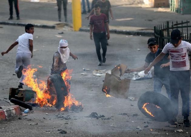 Las protestas se registraron también en otras ciudades de Cisjordania como Nablus, Jenín, Tulkarem o Hebrón. Fotos: EFE.