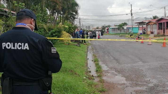 Robert Smith, fue asesinado el 12 de agosto, mientras se encontraba en el patio de su casa, ubicada en la barriada Vista Azul, en el corregimiento de Vista Alegre en Arraiján.