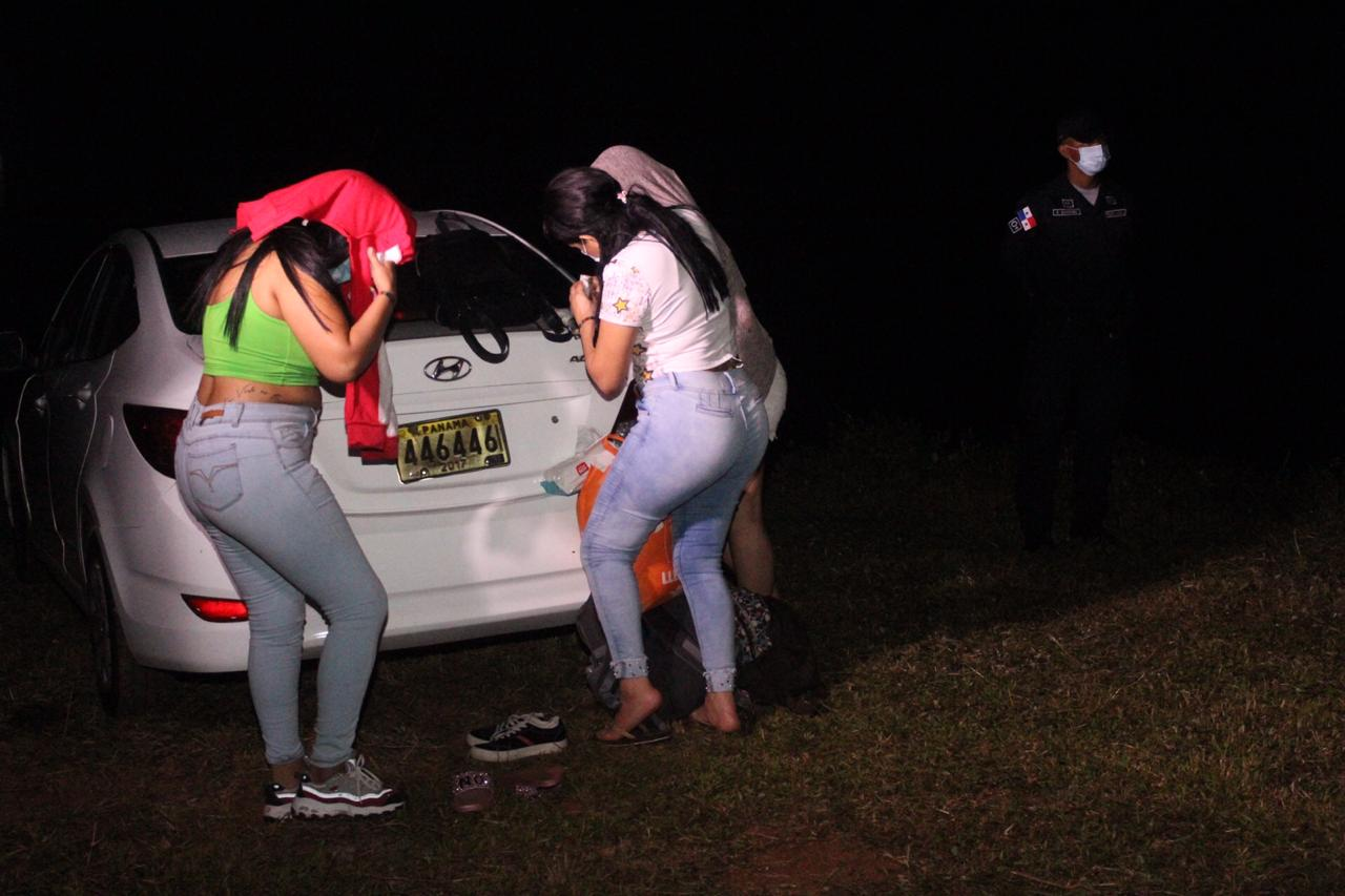 Esta no es la primera vez que las autoridades ubican un festejo con asistencia masiva de público entre ellos ciudadanos extranjeros.