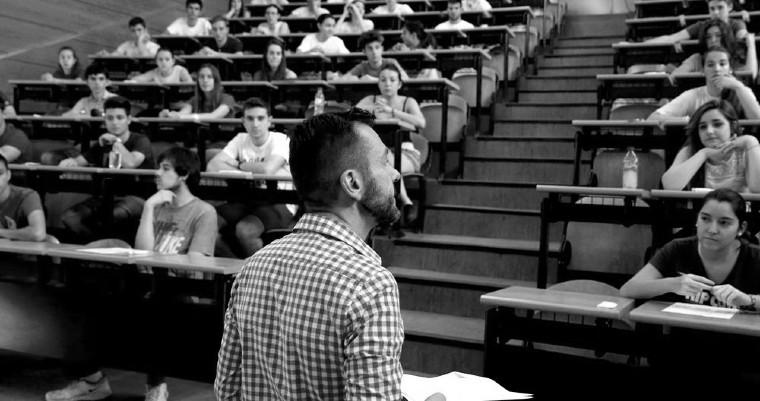 Habrá que emprender la reingeniería de la estructura salarial y de funciones de las universidades públicas. Foto: EFE.