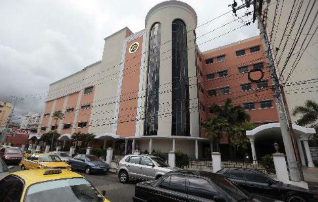 Ante esta situación, se han activado los protocolos establecidos en el Hospital Santo Tomás para la contención y el control de este tipo de brote.
