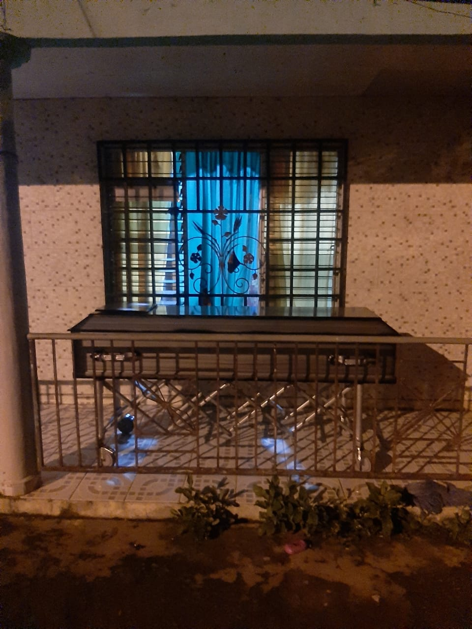 Esperaron 10 horas para que apareciera alguna autoridad del Minsa o del Ministerio Público para el levantamiento del cuerpo.