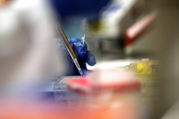 Pfizer en colaboración con la alemana BioNTech anunció el pasado julio que su vacuna candidata BNT162b2 pasaba a la fase 3 de estudio.
