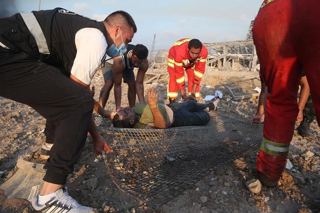 Fuentes de la Cruz Roja libanesa informaron que encontraron dos cadáveres y