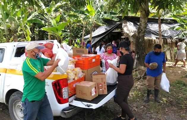 El Plan Panamá Solidario ha entregado en Bocas del Toro 165,866 bolsas de comida. Foto cortesía Gobierno Nacional