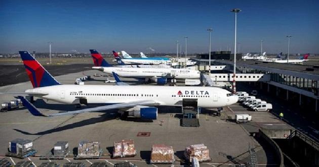 La aerolínea Delta quemó efectivo a un ritmo medio de 24 millones diarios durante el trimestre. EFE