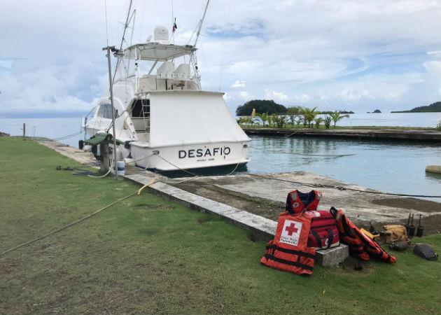 Voluntarios de la Cruz Roja de Portobelo y la Cruz Roja de Panamá se incorporaron a las tarea de búsqueda, con el apoyo de la embarcación Desafío. Foto: Diómedes Sánchez
