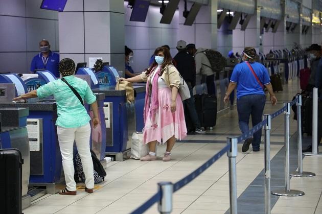 El ministro de Salud, Luis Francisco Sucre, indicó que la detección de estas personas demuestra que los controles establecidos están funcionando.