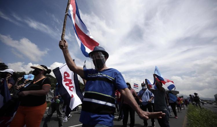 Durante las dos semanas de protestas ocurrieron enfrentamientos entre la policía y manifestantes que dejaron más de 100 detenidos. EFE