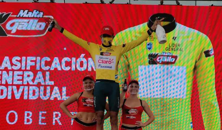 Roberto González trepó ayer a lo más alto del podio de la Vuelta a Guatemala. Cortesía