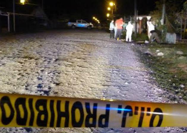 El cuerpo fue trasladado a la Morgue Judicial para realizar la respectiva autopsia. Foto: Mayra Madrid.