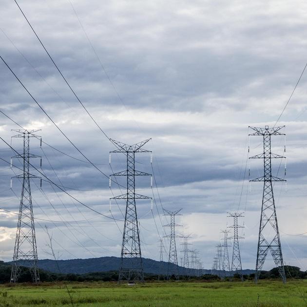 Por cada hora sin energía eléctrica se pierden $1.3 millones, que le cuesta a todos los panameños. Archivo