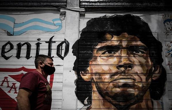 Un mural de Diego Maradona, en el Barrio de la Paternal de la ciudad de Buenos Aires. Foto:EFE