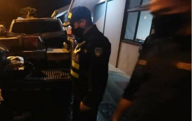 La Fuerza Pública tica decomisó el producto y coordinó con la Policía de Control Fiscal para el debido proceso. Foto: Mayra Madrid.
