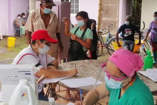 Los equipos de salud en Chiriquí se trasladaron a zonas como San Isidro en Bugaba; donde se aplicaron las pruebas de hisopados.