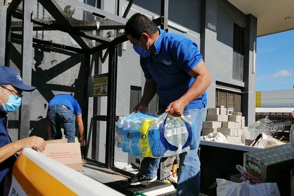 Durante el fin de semana se seguirán recibiendo donaciones en los sitios de acopio en Los Santos y Herrera. Foto: Thays Domínguez
