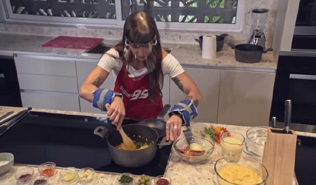 La preparación de las recetas viene acompañada de retos. Foto: Cortesía