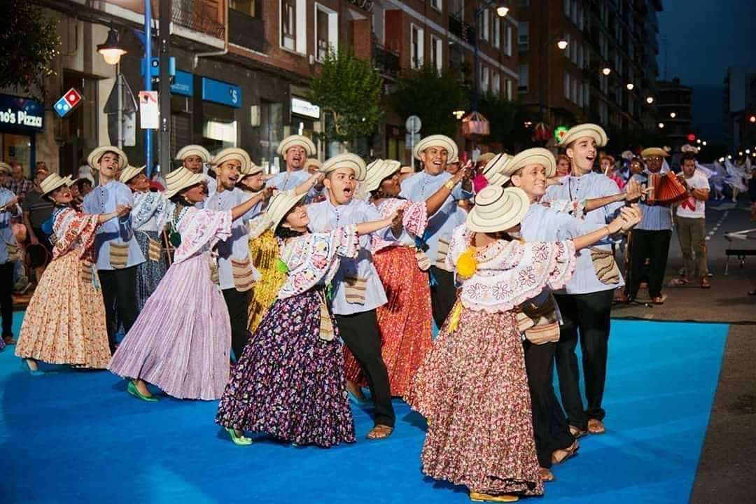 Ballet Folklórico Ritmos y Raíces Panameñas. @ritmosyraicesp