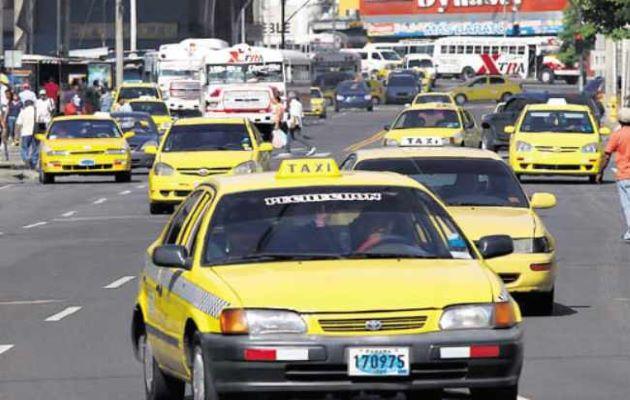 Los taxistas cerraron dos puntos de la ciudad capital y una vía en Arraiján.