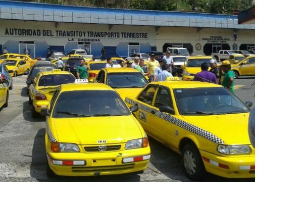 Los conductores del sector selectivo cuyos vehículos terminen en placas par (0, 2,,4,6 y 8) circularán a partir de este jueves 12 de noviembre los lunes y miércoles.