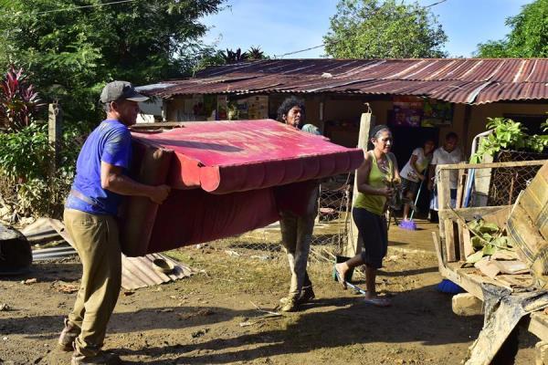 Según la organización, recientemente galardonada con el Nobel de la Paz, ya antes del paso del Eta había unos 1.8 millones de hondureños en situación de inseguridad alimentaria. Foto: EFE