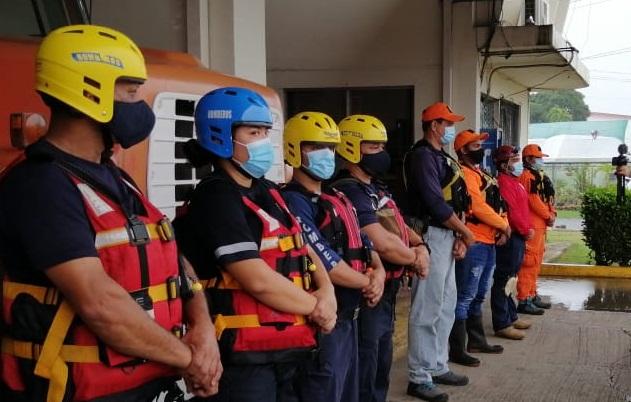Un bloque de búsqueda trata de localizar a un hombre que, supuestamente, desapareció en las aguas del río Estivaná, en el distrito de Macaracas, provincia de Los Santos.