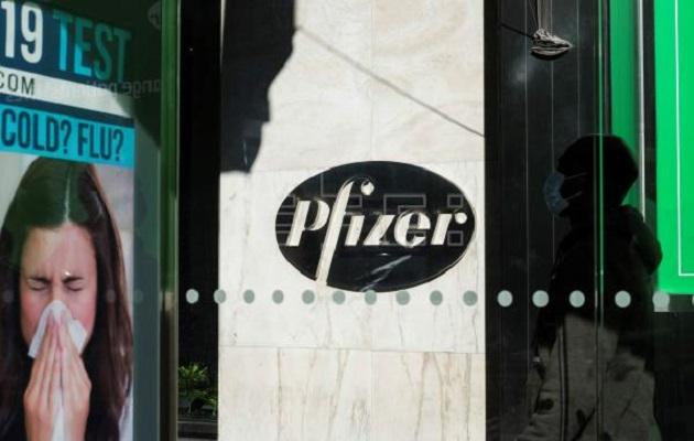 Pfizer desarrolla un vacuna con tecnología de ARN mensajero.