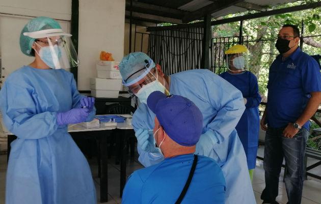 Se analizan variantes en Herrera como el número de casos activos y la cantidad de hospitalizados. Foto: Thays Domínguez