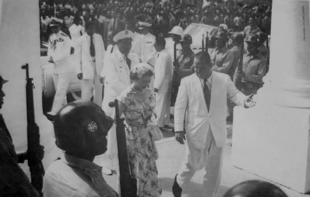 En dicho encuentro la reina fue condecorada por el presidente Remón Cantera con el Gran Collar de la orden Manuel Amador Guerrero.