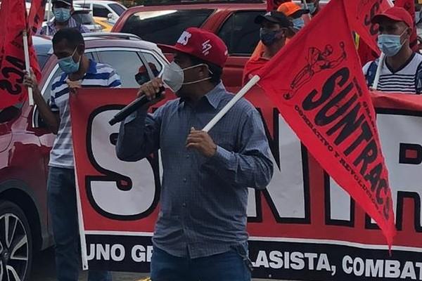 Los trabajadores exigen que cesen las acciones de seguir prorrogando la suspensión los contratos.
