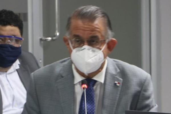 El ministro Valderrama agradeció a los diputados por el apoyo irrestricto que ha recibido siempre que solicita recursos para el sector agropecuario.