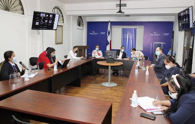 El ministro Luis Francisco Sucre se reunió  hoy con gremios médicos.