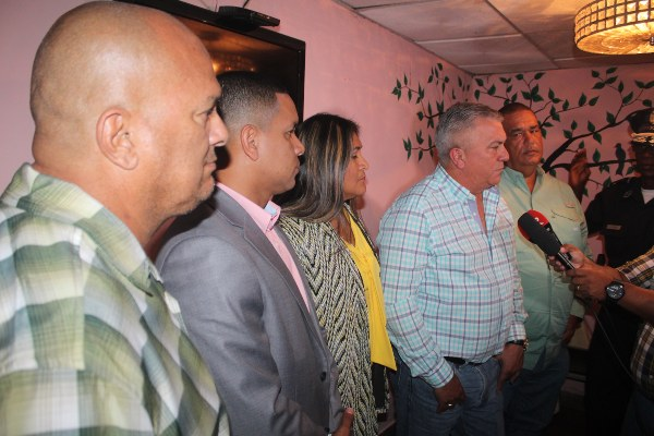 El alcalde Tomás Velásquez, se reunió con los Jueces de Paz y el jefe de la zona de policía de La Chorrera, sub comisionado Ignacio Taylor, para coordinar los operativos a realizarse.