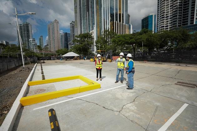 Los trabajos se realizaron en los estacionamientos de la Cinta Costera, frente al Centro Comercial Balboa Boutique.