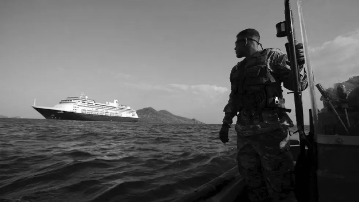 Debido a la pandemia, las jornadas de trabajo están siendo más extensas produciéndole al trabajador el debilitamiento de su salud, lo que puede llegar a desencadenar algún tipo de accidente a bordo. Foto: EFE.