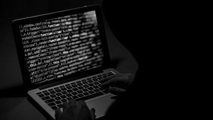Es más fácil que los delincuentes encuentren formas de disfrazar sus verdaderas finanzas haciendo mal uso de los servicios en línea. Foto: EFE.