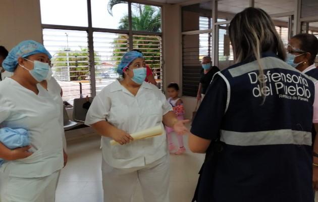 """Elvia Morales, técnica de enfermería en este nosocomio, indicó que su situación es """"lamentable"""" al no cancelarles sus salarios y no cumplir el MINSA con los cambios de etapa, que les permitiría devengar un mayor salario."""