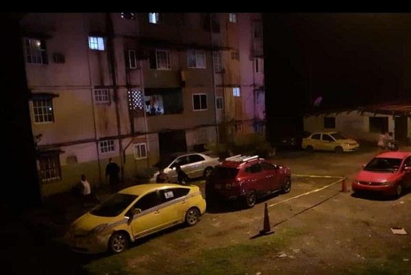 Pese a la intensa balacera no hubo heridos, sin embargo, dos vehículos, quedaron impactados, por los proyectiles de bala.