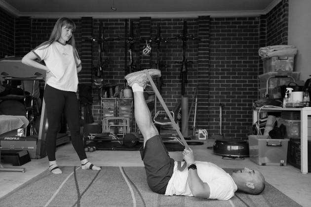 Se puede estimular el deporte en la vida cotidiana, de manera que se evite una lesión y si se presenta se cuente con el conocimiento necesario para actuar y evitar daños mayores. Foto: EFE.