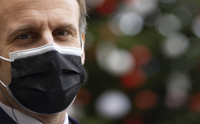 El presidente de Francia, Emmanuel Macron, permanecerá siete días aislado. Foto: EFE