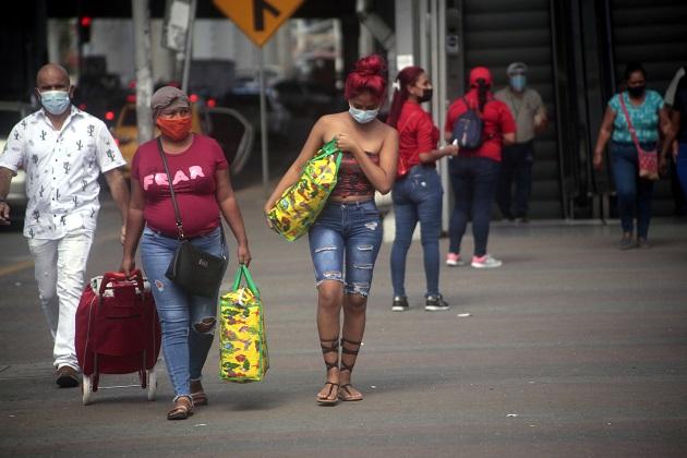 A la fecha se aplicaron 16.375 pruebas de detección de contagio de COVID-19 en Panamá, para un porcentaje de positividad de 20.8% . Foto: Víctor Arosemena