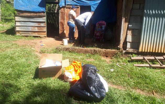 Se llevó a la familia del menor ayuda en alimentos, medicinas y otros enseres. Foto: Melquíades Vásquez.,