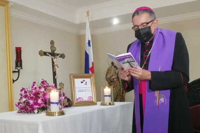 Arzobispo de Panamá, José Domingo Ulloa.